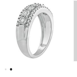 Jewelry - 1/2 Carat tw 10k diamond 💎 ring